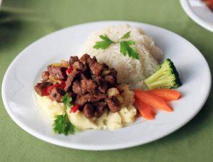 En Güzel Yemekler İçin İksir Resort Town Sizi Bekliyor