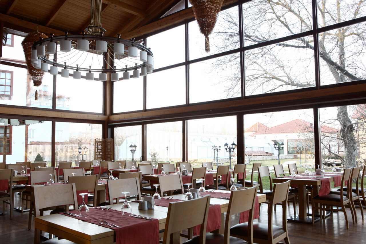 Samanlık Restoran Gündüz Fotoğrafı